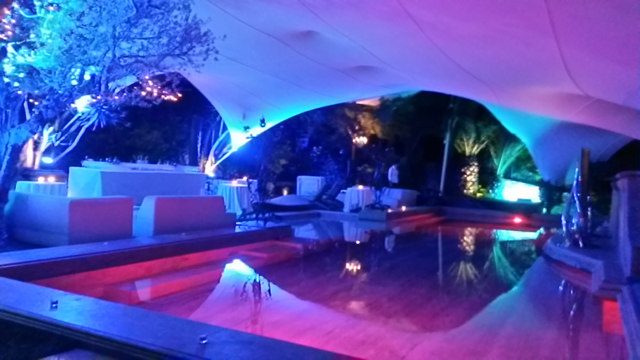 Pool & Garden Ambient Uplighting - French Riviera