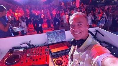 AzurBiz French Riviera Entertainment Owner, DJ, AV Technician & Consultant - Simon HALE