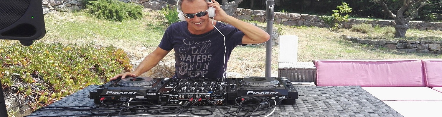Professional English DJ Simon Hale - International DJ for Events along the French Riviera