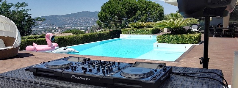 Many years experience installing systems in every type of venue, from Mega Yachts and luxury hotels, to pool parties and private villas